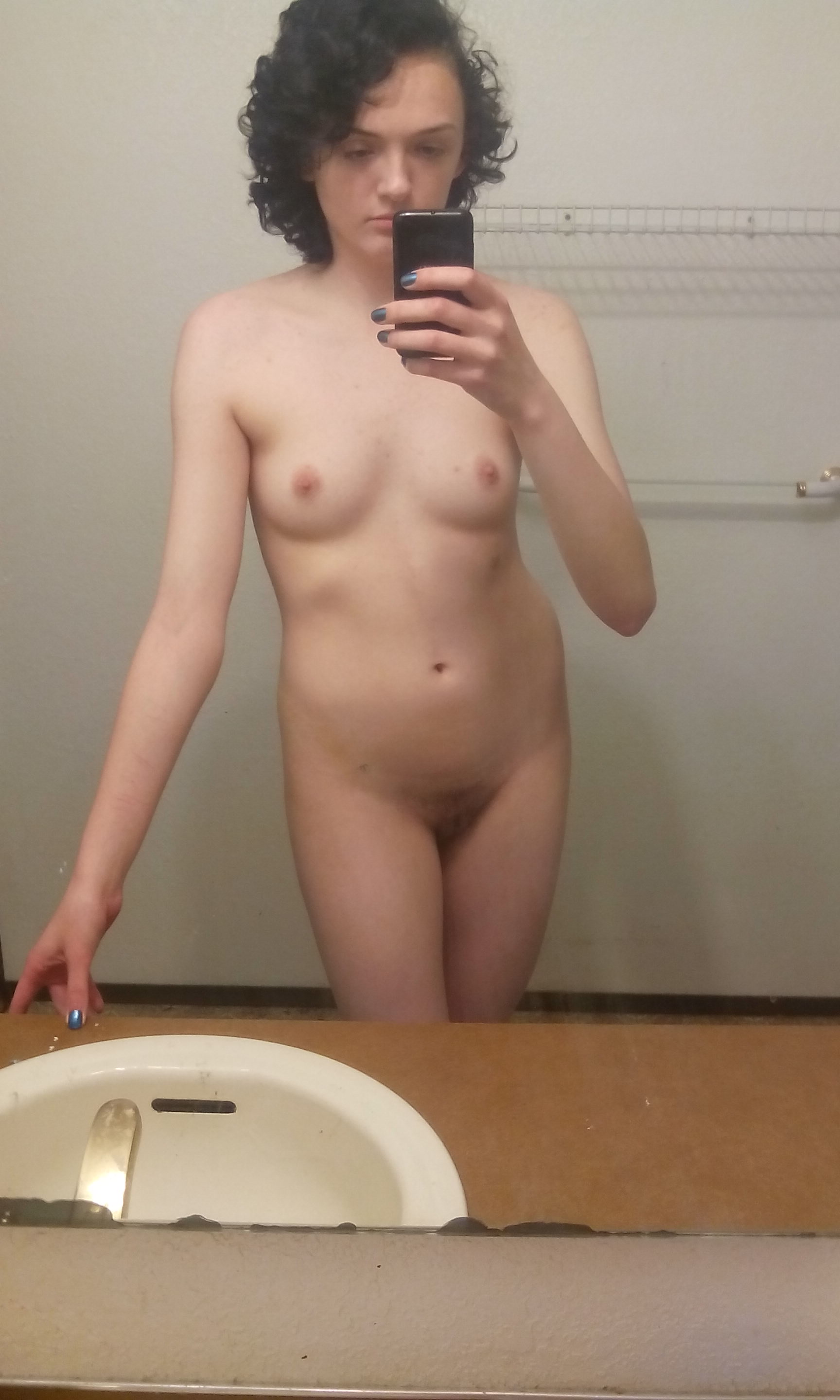 curly hair nude selfpic