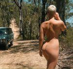 ass big_ass booty curvy nude outside short_hair stefania_ferrario