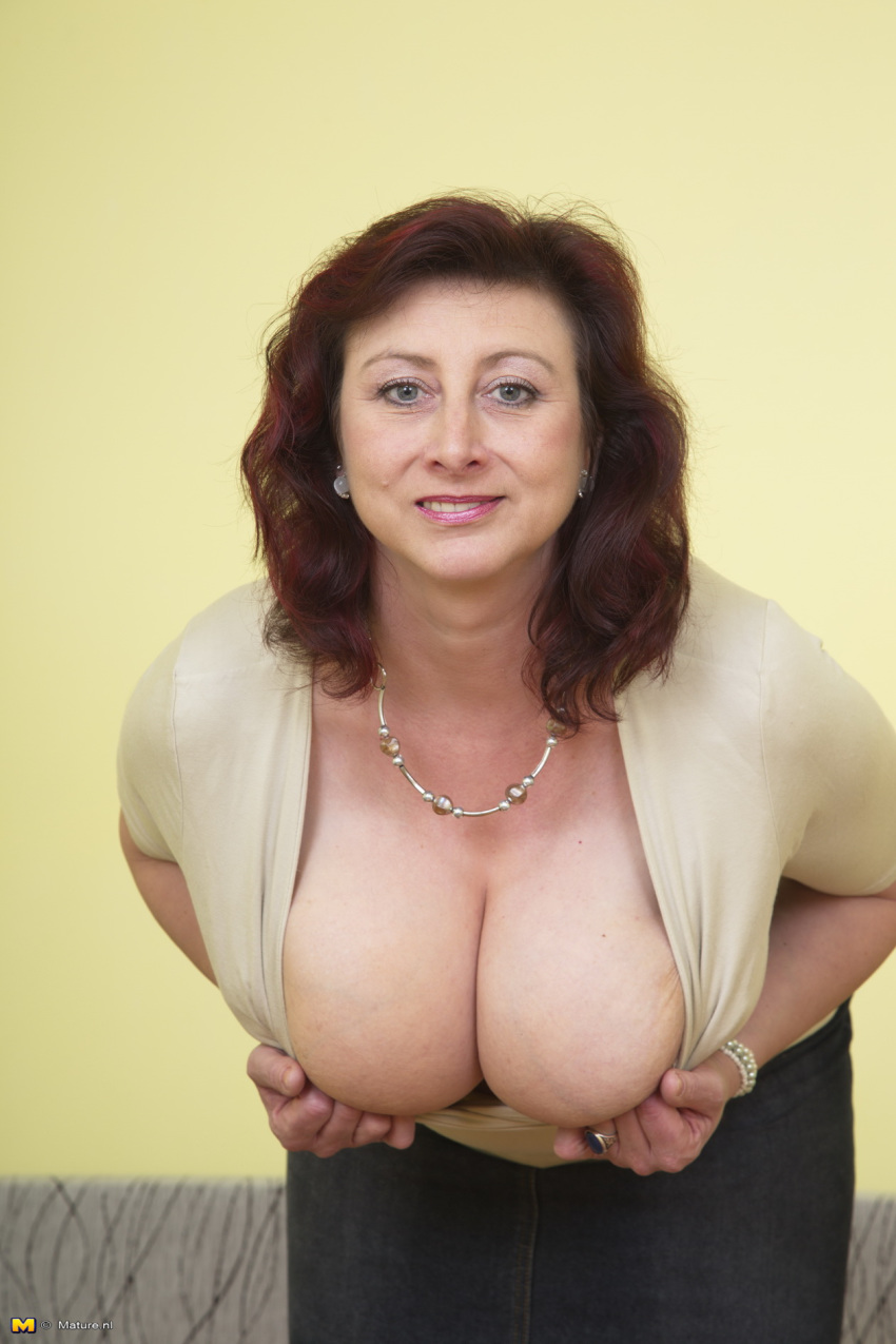 Picture large breasted mature video sex